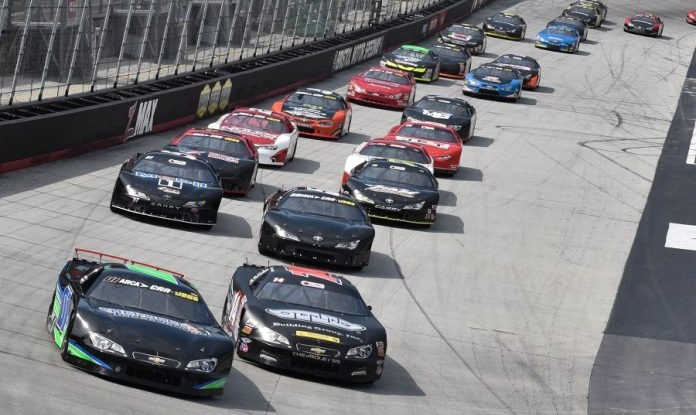 2018-Bristol-STUSN-6-Crum-Okrzesik-Lead-SLM-Field-Start-Drew-Hierwarter-Photo-696x464